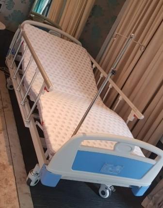 sewa tempat tidur rumah sakit elektrik deluxe sakit elektrik deluxe