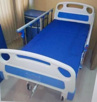 sewa tempat tidur rumah sakit manual engkol 1